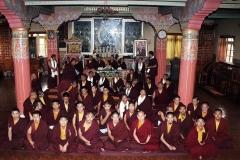 Gruppenbild-im-Tempel